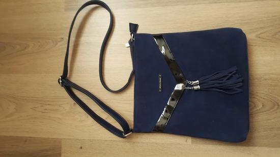 Velúr kék táska e1fb2e7999