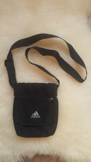 aeaf16a423 Fekete Adidas kis táska , Miskolc - gardrobcsere.hu