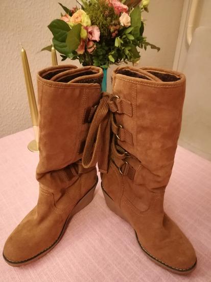 További Árcsökkenés !!!! Márkás férficipők eladók