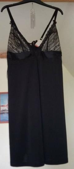 Új fekete csipkés gyönyörű Triumph hálóing d2c10b8514