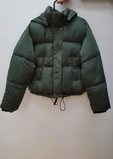 6becfec311 Beshka rövid téli kabát (új, sosem hordott), Budapest - gardrobcsere.hu