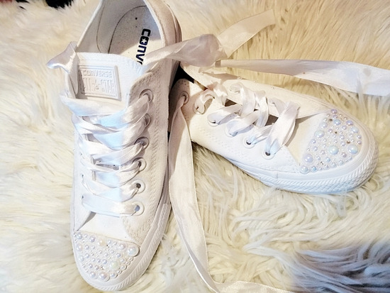 2cea2052c7 CONVERSE PEARLS WEDDING EDITION