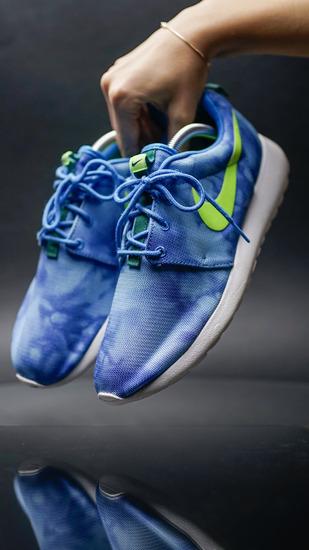 new product f0bb8 c2cae Nike Roshe Run — Blue Marble