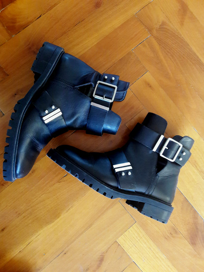 Zara cut out biker ankle boots, Pécs gardrobcsere.hu