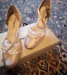Benjamin Adams selyem menyasszonyi cipő