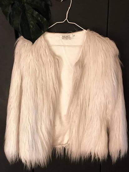 ACNE fehér bunda