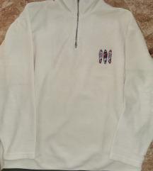 XXL-es fehér polár pulóver