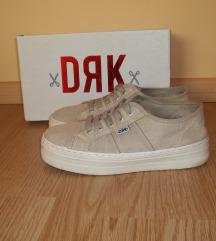 DRK Dorko magasított tornacipő