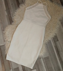 Fehér ruha hálós betétekkel