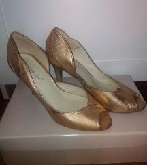 Csodaszép arany alkalmi cipő