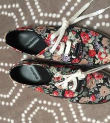 Stradivarius platformos tornacipő