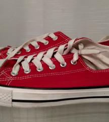 Piros vászoncipő 40