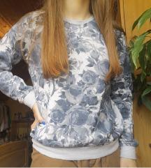 Rózsa mintás pulóver