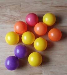 11 db színes kislabda