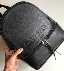 Fekete Calvin Klein hátizsák