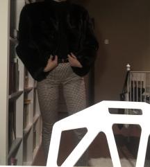Fekete bunda