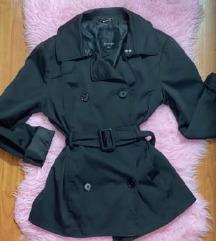 Csinos fekete átmeneti kabát