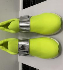 Női cipő sportcipő