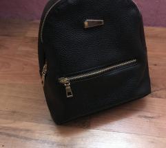 Új kis fekete táska