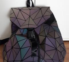 Világítós geometrikus táska