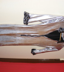 La Pierre ezüst ruha