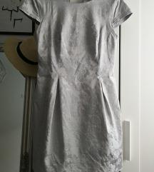 MOHITO Világosszürke virágmintás ruha