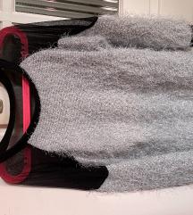 Szőrmés- hátán átlátszó pulóver