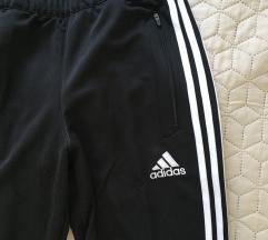 Adidas címkés nadrág