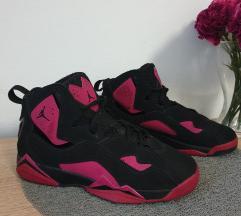 Jordan True flight cipő