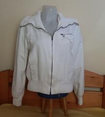 Fehér dzseki, S/M-es