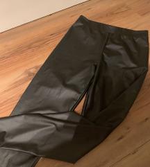 Műbőr hatású leggings