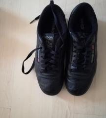 37-es Reebok bőr cipő