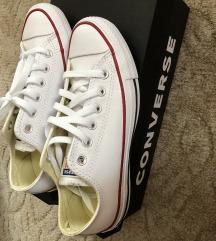 ÚJ fehér bőr Converse