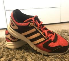 Adidas edzőcipő