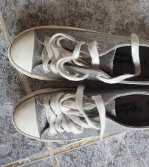 Csillámos tornacipő