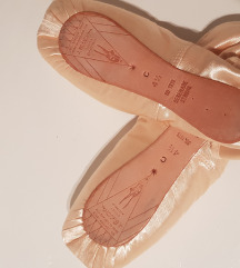 J.BLOCH spicc cipő