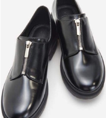 Reserved cipzáros cipő