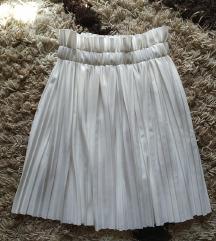 Fehér pliszírozott / rakott szoknya