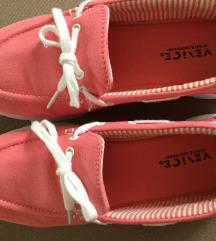 Rózsaszín kényelmes cipő újszerű