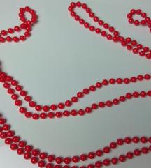 Piros hosszú gyöngysor