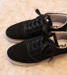 Fekete FILA cipő