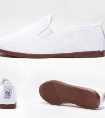 Új, fehér Flossy cipő 39