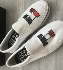 Tommy Hilfiger cipő 37 új