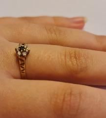 9 karátos köves arany gyűrű