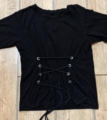 🌙 fűzős fekete póló