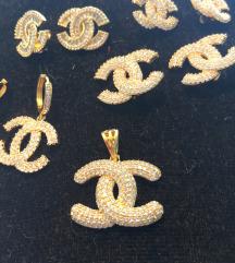 Uj Chanel fulbevalo , medal