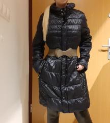 Hosszú kék kabát