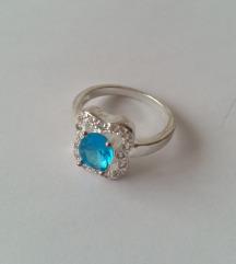 Kék strasszköves bizsu gyűrű – 6-os méret