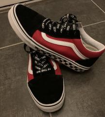 38-as Vans cipő