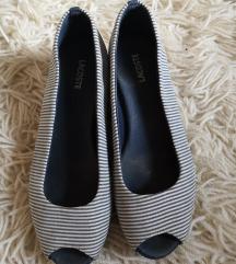 Lacoste csíkos cipő